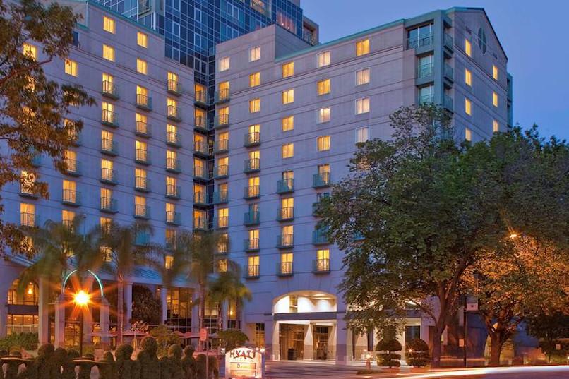 AOA Conference 2021 Hotel Entrance